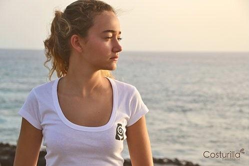 camisa tortuga chica blanca