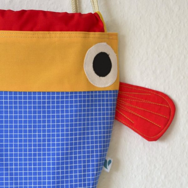 mochila niño pez