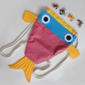 Mochila infantil pez