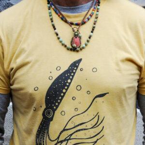 Camiseta calamar artesal hecha en canarias